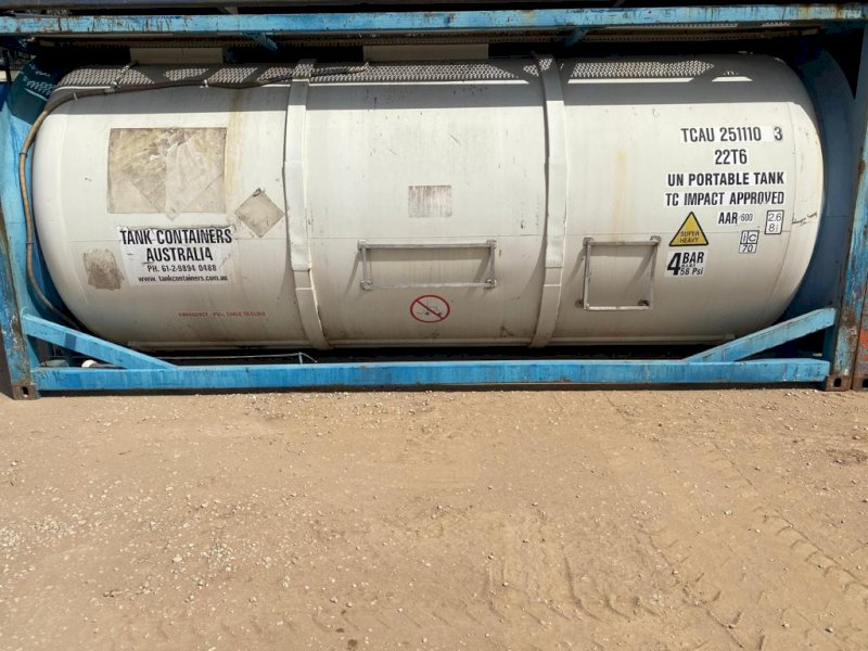 1 x 25,000L Stainless steel tank