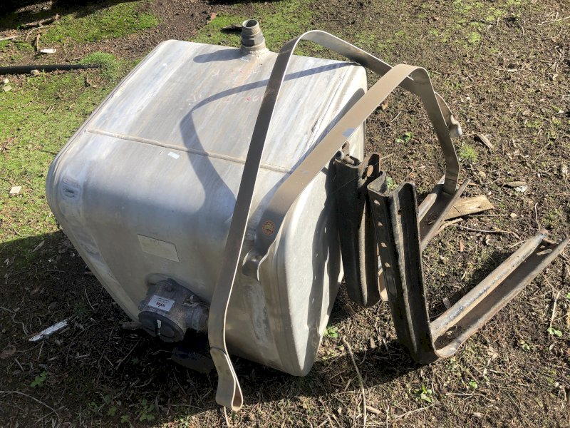 Hydraulic Tank and Straps