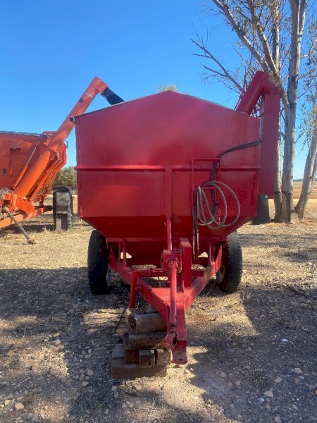 Horwood Bagshaw Grain Feed Out Cart