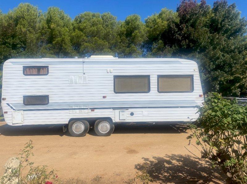 Evernew Deluxe Caravan