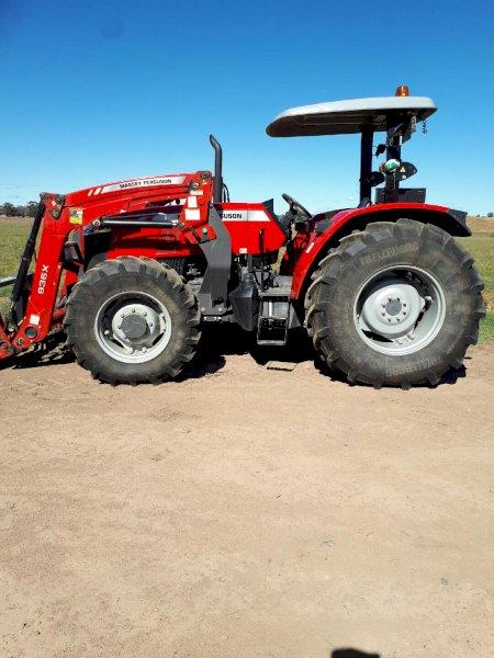 2017 Massey Ferguson MF4708 Tractor with Burder Loader
