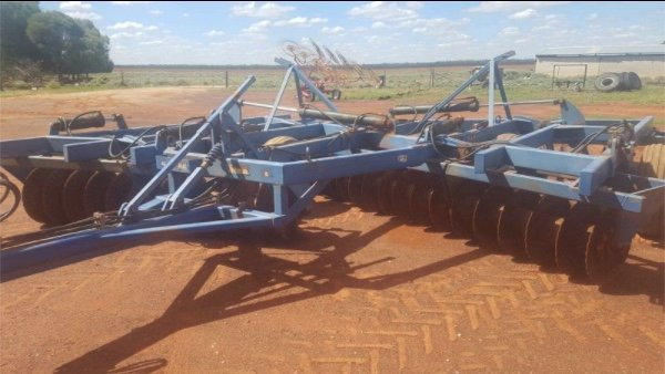Under Auction - (A146) - 48 Plate Grizzly Offset Disc Plough - 2% + GST Buyers Premium On All Lots