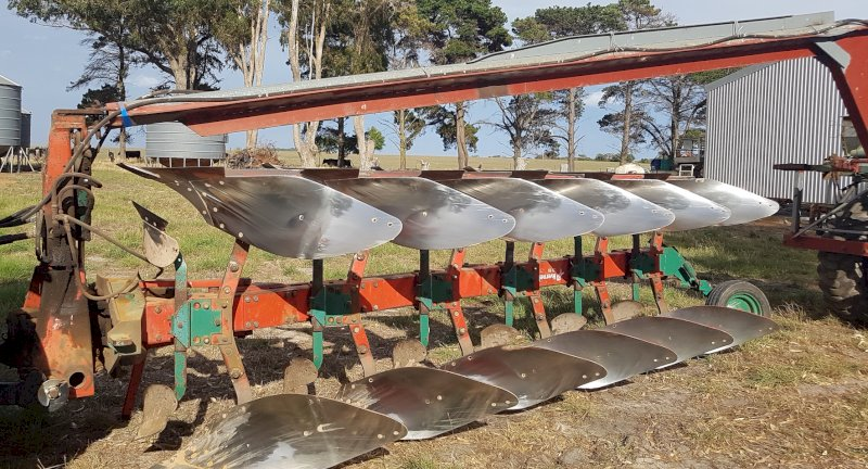 Kverneland HD 85 six leg Reversible Plough