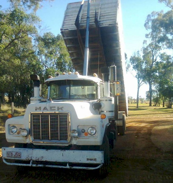 Mack 285 Maxidyne Tipper  with 24 ft Body
