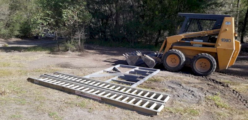 Case 1840 Skidsteer with Trencher