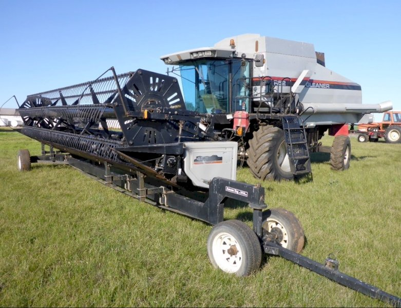 WANTED Pick up front for Gleaner R52 wanted