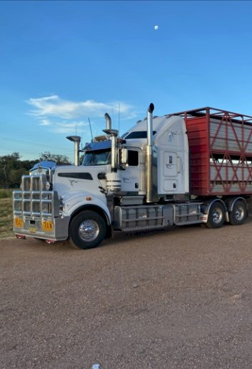 Under Auction - (A147) - 2013 Kenworth T909 Truck - 2% + GST Buyers Premium On All Lots