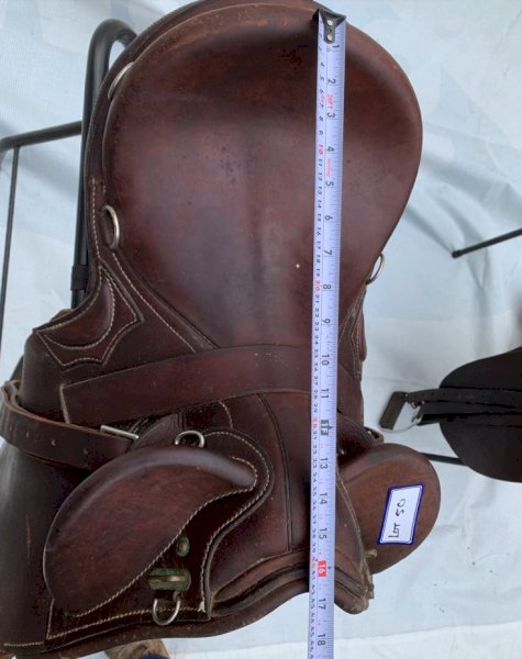 Under Auction - (A151) - Stock Saddle - 2% + GST Buyers Premium On All Lots