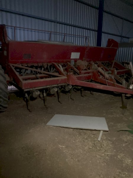 Under Auction - (A152)  Case 5120 Direct Drill Combine - 2% + GST Buyers Premium On All Lots