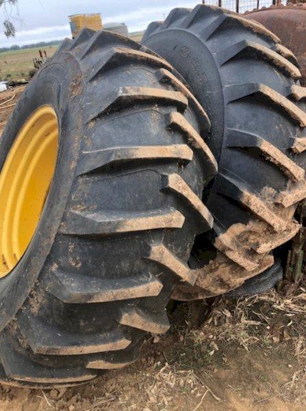 24.5-32 Tyres an Rims x 2