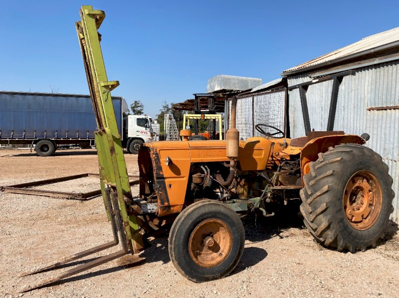 Fiat 650 Tractor with Front Forklift