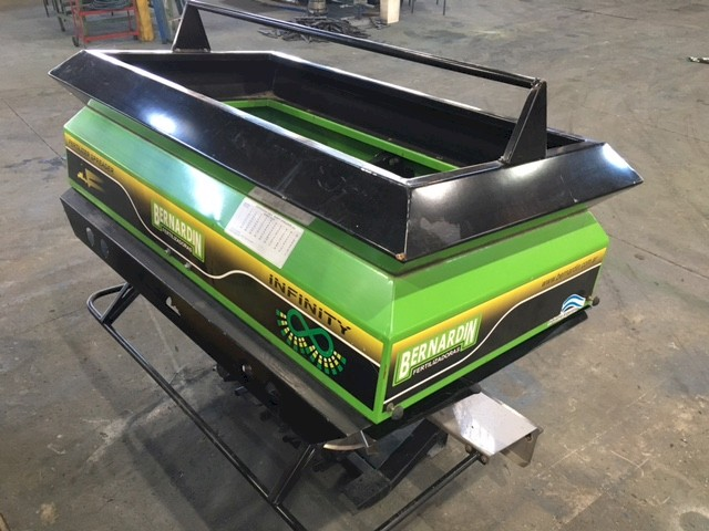 New Bernardin Infinity Linkage Twin Spinner Spreader
