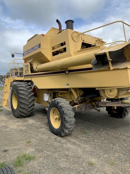 New Holland TR97 Header