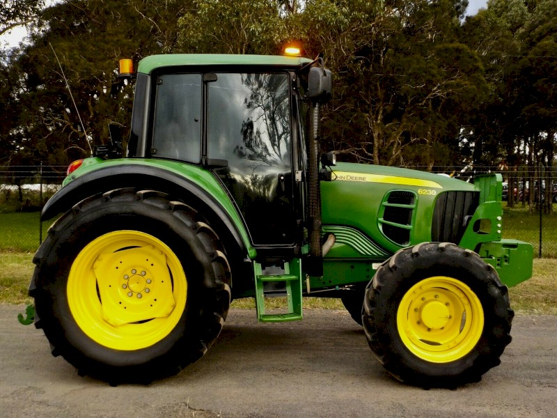 2015 John Deere 6230M Premium 4x4 95hp Agricultural Farm Tractor