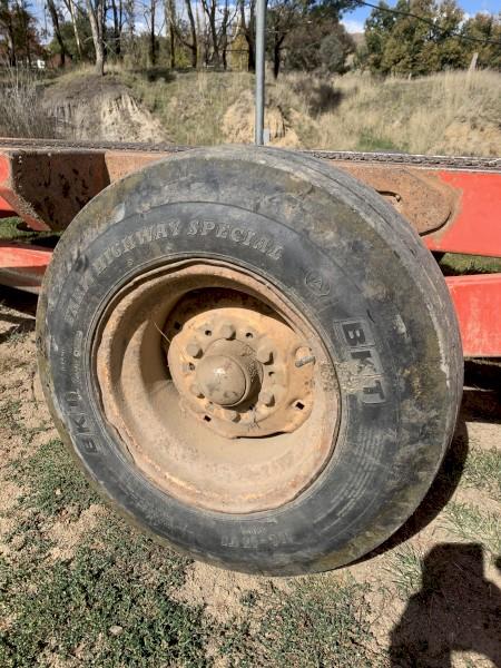 Hesston Stakmover wheel rims