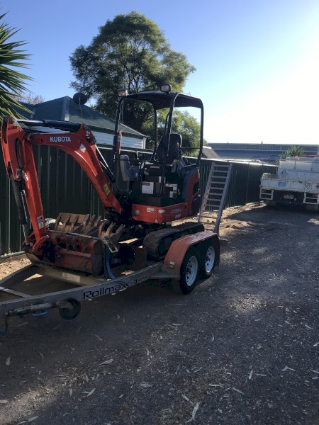 Kubota  KX018-4 ,1.8 ton Excavator on Rollmax Trailer