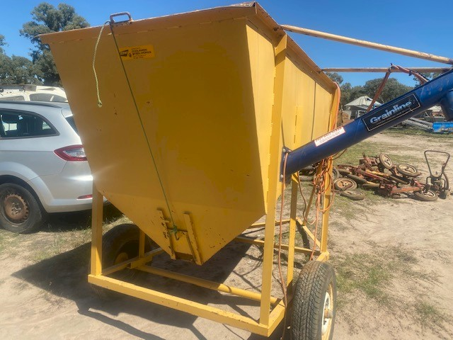 Coolamon  1 Tonne  Feedout Bin With Grainline Auger