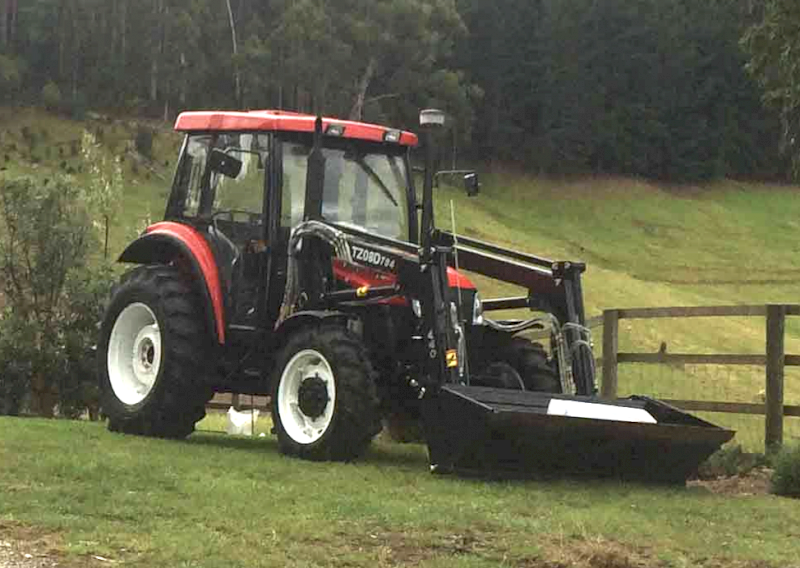 2015 YTO X704 Tractor with FEL - Low Hours