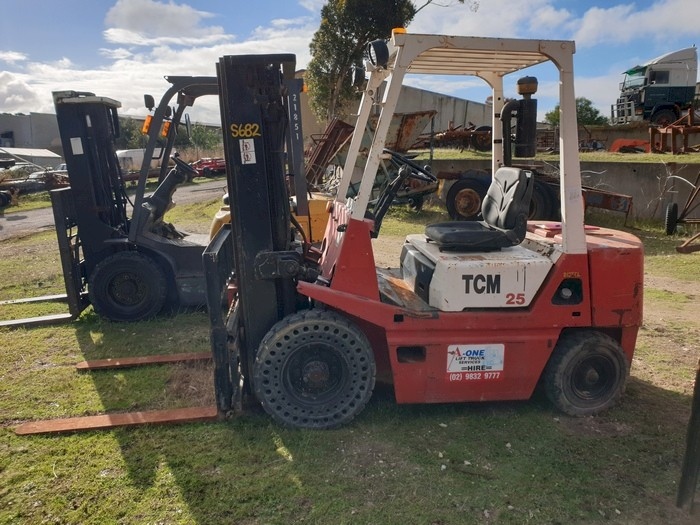 TCM FD25 Diesel Forklift