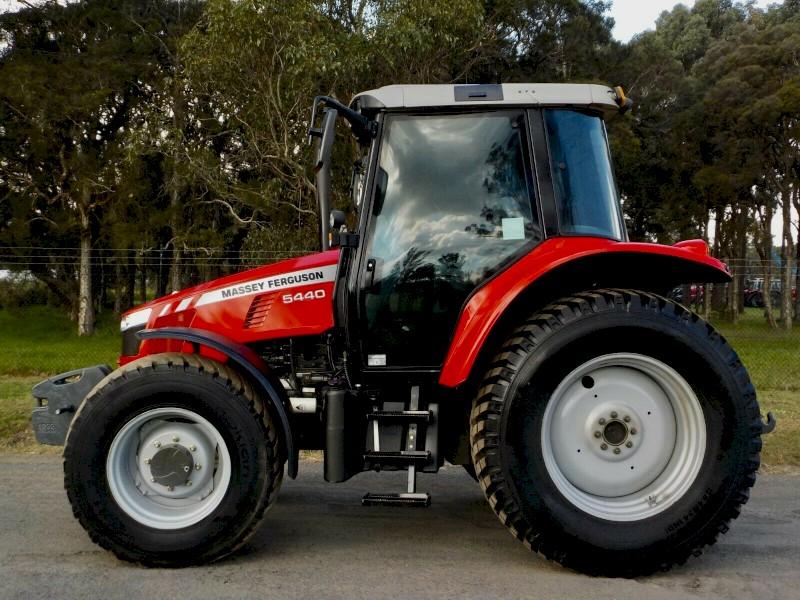 Late Model 2014 Massey Ferguson 5440 Dyna 4 Agricultural Farm Tractor 101hp