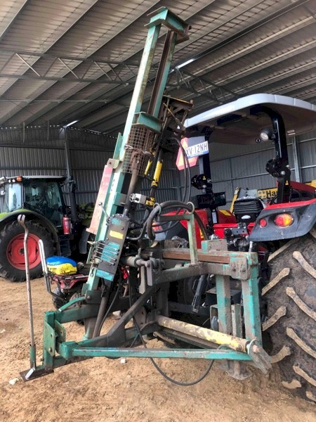 Munro Post Driver With Side Shift And Auger Exellent Condition